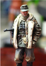Free Shipping 1/35 Scale Unpainted Resin Figure WW2 Soviet guerrilla collection figure
