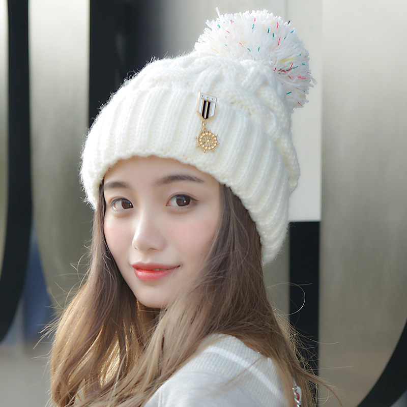 New Winter Warm Thick Knitted Female Skullies Toboggans Beanies Fleece Lined Soft Nap Pom Medal Pattern Solid Color Cap HatОдежда и ак�е��уары<br><br><br>Aliexpress