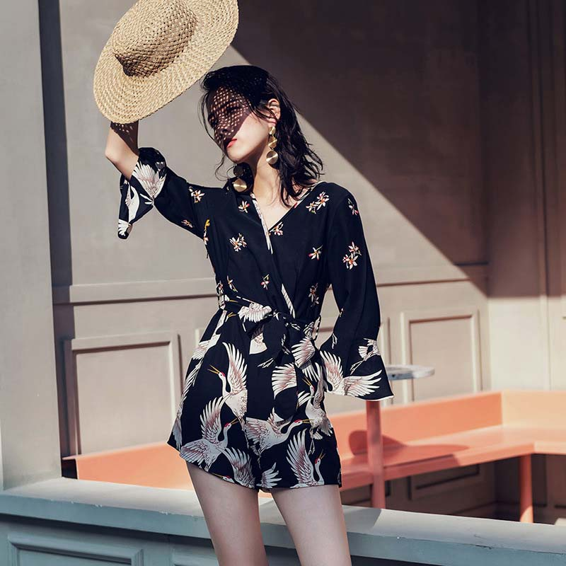 2019 summer new women's  jumpsuit fashion V neck flared sleeve loose high-waisted shorts playsuit