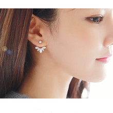 Korean style and leave a silver-plated crystal earrings fashion women statement earrings for party well(China)