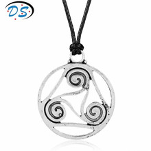 Teen Wolf Men Jewelry VIntage Retro Hollow Teen Wolf Symbol Pendant Necklace Rop Chain Accessories