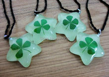 FREE SHIPPING 20PCS Shamrock Good Luck Real Leaf Clover Necklace chic pendant Glow in dark