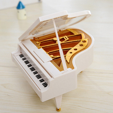 Music Box Small Ornaments Plastic Material European Style White Piano Children Toys Gift Brand Miniature Jewelry For Girl