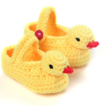 Cartoon Duck Cheap Baby Booties for Boys Girls Handmade Knitted Shallow Baby Shoes 10 cm