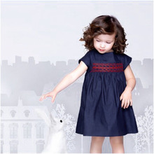 2017 Summer Solid Blue Blue Cotton Denim Dress for Baby Girls Party Floral Dress for Girls Clothes Smocking Dresses