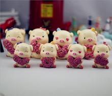 4pcs/lot Cute Mini Figurines Resin Animal Rose Pig Romantic Crafts Ornaments Car Decoration Wedding Gifts E455
