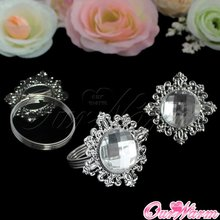 12Pcs Luxury Rhinestone Napkin Rings White Napkin Ring Serviette Holder for Wedding Party Dinner Table Decoration Accessories