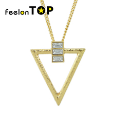 Rhinestone Triangle Short Pendant Necklace New Inspiration Design Simple Fashion All-match Necklace