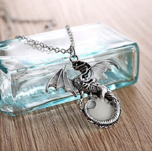 Luminous Game of Thrones Necklace Family Logo Dragon Pendant Movie Fans Gift Animal Zodiac Model collectible toy Top Quality