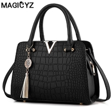 Luxury Crocodile leather women handbags Famous brands designer women messenger bags female fringed shoulder bag women's pouch(China)