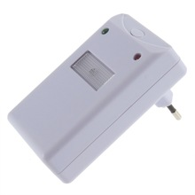 2017 High Quality 1pc Pest Rodent Repeller Home Electro Magnetic Ultrasonic Electronic for Lustrating Mouse Mosquito Insect(China)