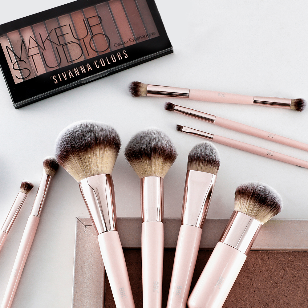 Kabuki Foundation Makeup Brush 28