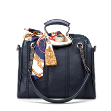 Quality handbags wholesale 2017 winter casual fashion Guangzhou Quilted Shoulder Messenger Bag(China)