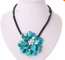classic white baroque freshwater pearl blue shell flower leather necklace Factory Wholesale price Women Giftword Jewelry