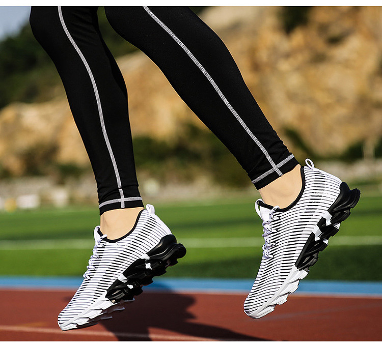 17New Hot Light Running Shoes For Men Breathable Outdoor Sport Shoes Summer Cushioning Male Shockproof Sole Athletic Sneakers 31