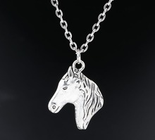 1 pcs New Fashion Antique Silver Charms Horse Head Pendants Necklaces Statement Choker Jewelry For Women Girl Best Gift