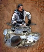 Free Shipping 1/35 Scale Unpainted Resin Figure WWII german tank commander(just one figure)