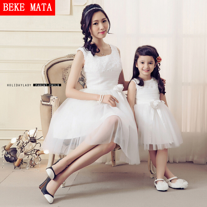 Mother Daughter Clothes 2017 Spring White Princess Ball Down Dress Sleeveless Mother Daughter Matching Dresses Family Look<br>