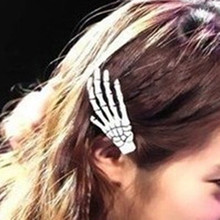 2017 Mix wholesale fashion Skeleton Claws Skull Hand Hair Clip Hairpin Zombie Punk personality Horror Barrettes free shipping(China)
