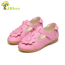 J Ghee 2017 Summer Girls Sandals Kids Flat Shoes PU Leather Soft Fashion Flowers Princess Children's Shoes Floral Cut-outs Party