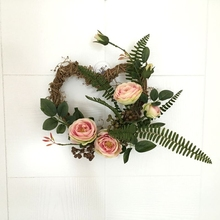 34X30cm Artificial Silk Rose Flowers Heart Shaped Door Wreaths Romantic Wedding Christmas Party Door Car Decoration