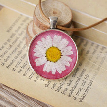 Pink Tone Dried Flower Real Daisy Necklaces Creative Long Womens Daisy Pendants Best Forever New Necklace Bijoux Femme  nxl024