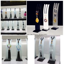 High Quality Acrylic Necklace Display Rack Pendant Showing Stand Jewelry Display Shelf Car Decoration Holder Chain Display Props(China)