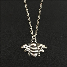 New 2016 Handmade Antique Silver Lifelike Insect Cute Bee Necklace & Pendant For Women Lovely Honey Bee Necklaces Jewelry Collar