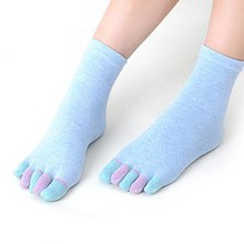 women socks deporte Cotton girl five fingers socks Massage gimnasio Non Slip grip female Toe Socks solid Heel thin deporte hose