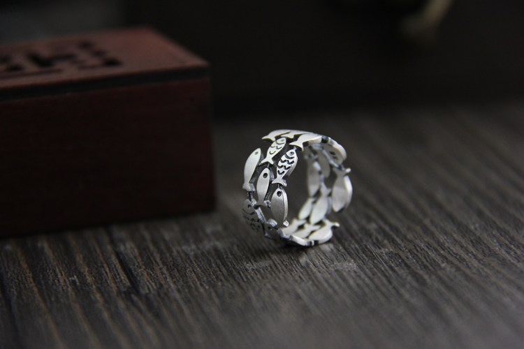 Lovely 925 Sterling Silver Swimming Fish Ring