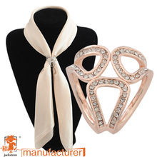 Hot 2017 scarf clasp jewelry pendants brooch rose Gold Silver Plated Rhinestone Brooches Scraf clip For Women Girl(China)