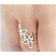 Wholesale New fashion simple letter spend five leaves and flowers of exquisite ring influx of people CRD74