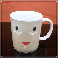 1pcs New Arrive Smile Temperature Sensing Color Changing Mug Magic Cup Coffee Mug Milk Tea Cup Novelty Gifts 350ml 8ZDZ341(China)