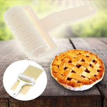 2017Kitchen Baking Lattice Roller For Dough Bread Embossing Cookie Pie Pizza Pastry Lattice Roller Craft Tools