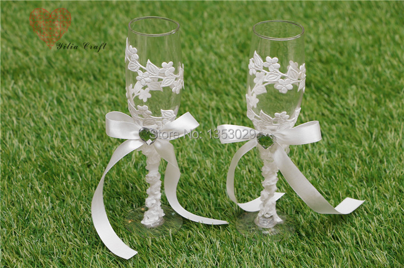 Free Shipping 1 Pair Elegant Bride And Groom Wine Glass Wedding Toasting Flutes Champagne Glasses