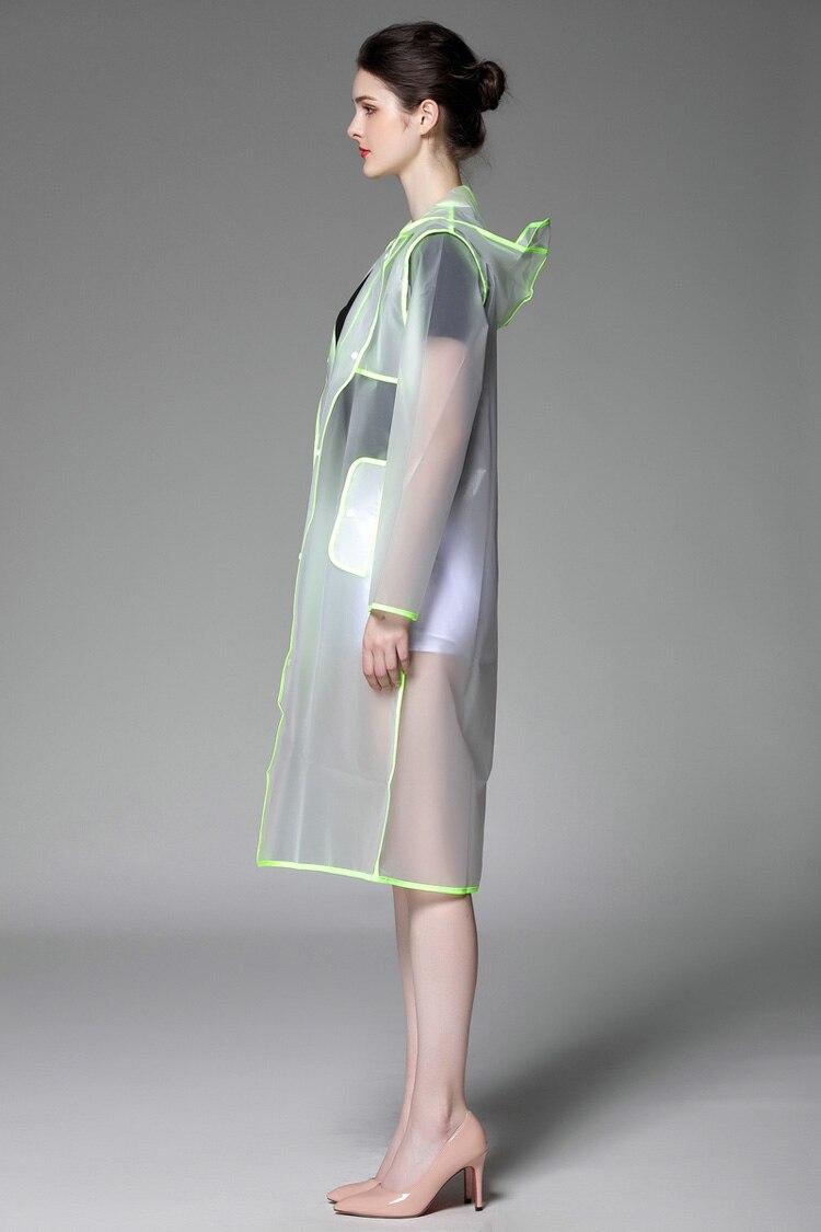 Läbikumavad kapuutsiga vihmamantlid