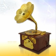 Free Shipping 4Pieces Nostalgic Memories ! Large Size Vintage Gramophone Music Box Retro Music Box with Art Disc