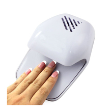 New Portable Mini Nail Dryer Fan Curing Nail Gel Polish Dryer Winds Quickly Drying Wet Nail