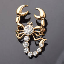 [BFQ]Europe and the United States Fashion Scorpion Brooch Crystal Zinc Alloy Brooch broches para as mulheres Gold Brooches