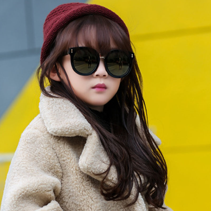 Stylish girls with sunglasses