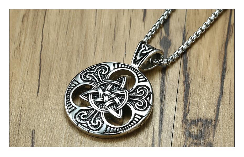Meaeguet Vintage Gothic Cross Necklace Triskele Trinity Scottish Irish Triangle Knot Antique Pendant Necklace (4)