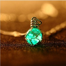 New Fashion 1 PCS Novel Luminous Pendent Necklace 2 Color Crystal Ball Glow In The Dark Necklace Hot Sale Fine Jewelry(China)
