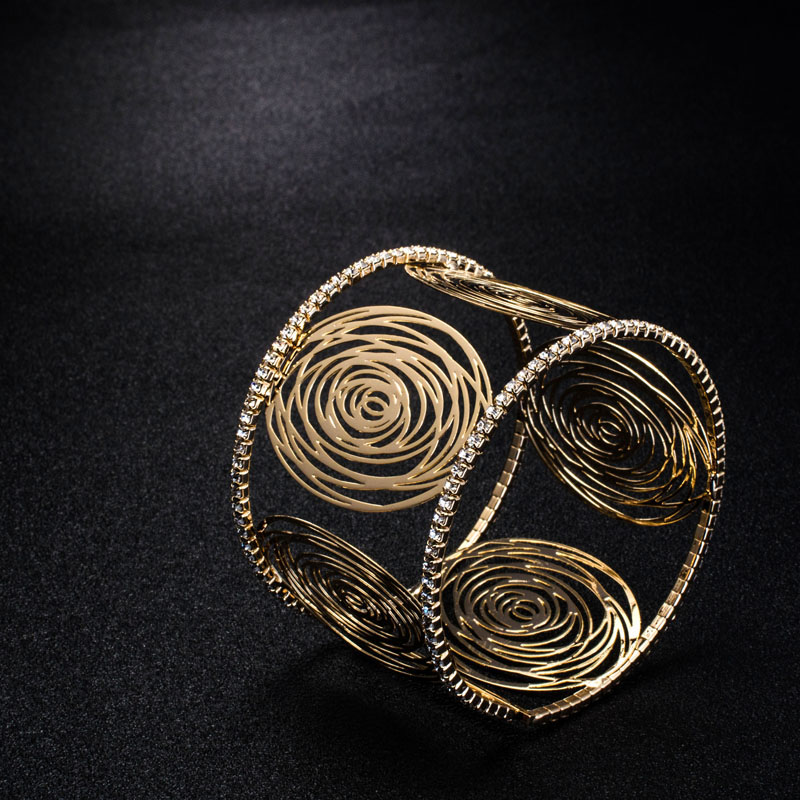 Fashion Wide Cuff Bracelets for Women Gold Color Metal Sparkly Crystal Rhinestone Round Flower Open Bangle Bracelet (1)