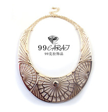 Costume Jewelry 2014 New Coming Graceful Gold Color Alloy Hollow Pattern Statement Necklace for Women