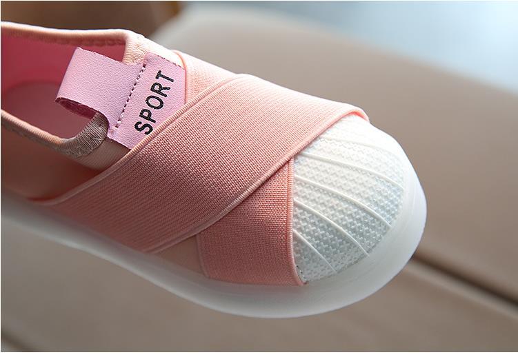 أحذية الأطفال مضيئة 9
