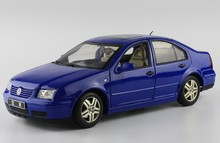 * Blue 1:18 Volkswagen Old VW Bora Die Cast Model Car Metal Sedan Model Festival Gifts Mini Vehicle