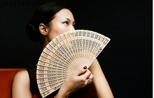 Chinese sandalwood fans Promotional hand fans Fancy wedding favors 8 inches available