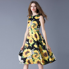 Europe and the United States in 2017 spring new catwalk sleeveless vest dress girls long sunflower stamp