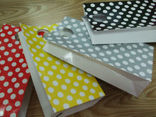 200*100*50mm /Hot/ Polka Dot kraft paper gift bag/Stripe Festival gift bags/Paper bag with handles/wholesale(China)