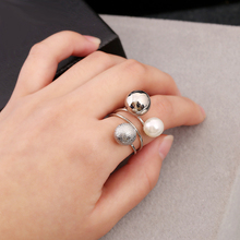 Three Matte Pearl Metal Balls Resin Peas Ring Jewelry Simple Personality Punk Ring Retail&Wholesale For Women Lady